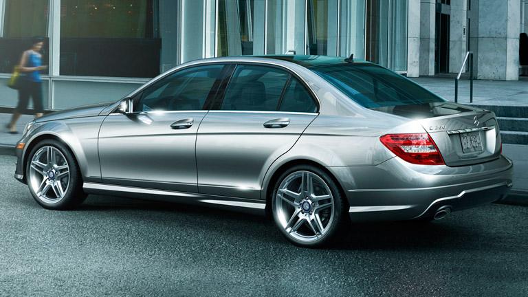 2014 mercedes benz c class vs 2014 bmw 4 series for Mercedes benz finance address