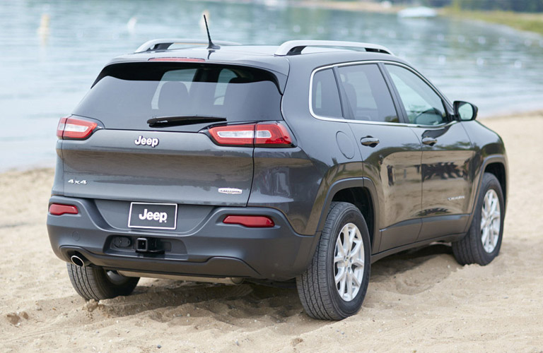 the motoring world usa fca recalls the jeep cherokee to replace the half shafts after some. Black Bedroom Furniture Sets. Home Design Ideas