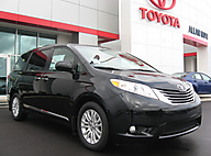 2015 Toyota Sienna XLE 8-Passenger / Navigation P Lima OH