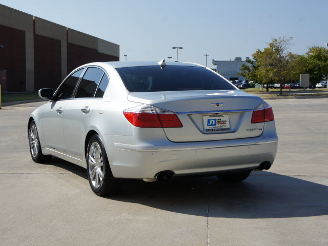 2011 Hyundai Genesis V8 Related Infomation Specifications