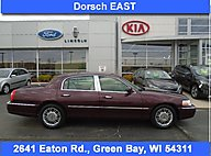2006 Lincoln Town Car Designer Series Green Bay WI