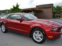 2011 Ford Mustang V6/Conv./Leather/Automatic Top/Power seats Nashville TN
