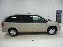 2006 Chrysler Town & Country LWB 4dr Limited Lawrence, Topeka & Manhattan KS