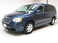 2009 Chrysler Town & Country Touring Raleigh