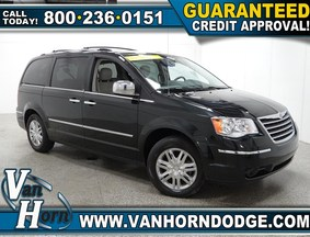 2010 Chrysler Town & Country Limited Sheboygan WI