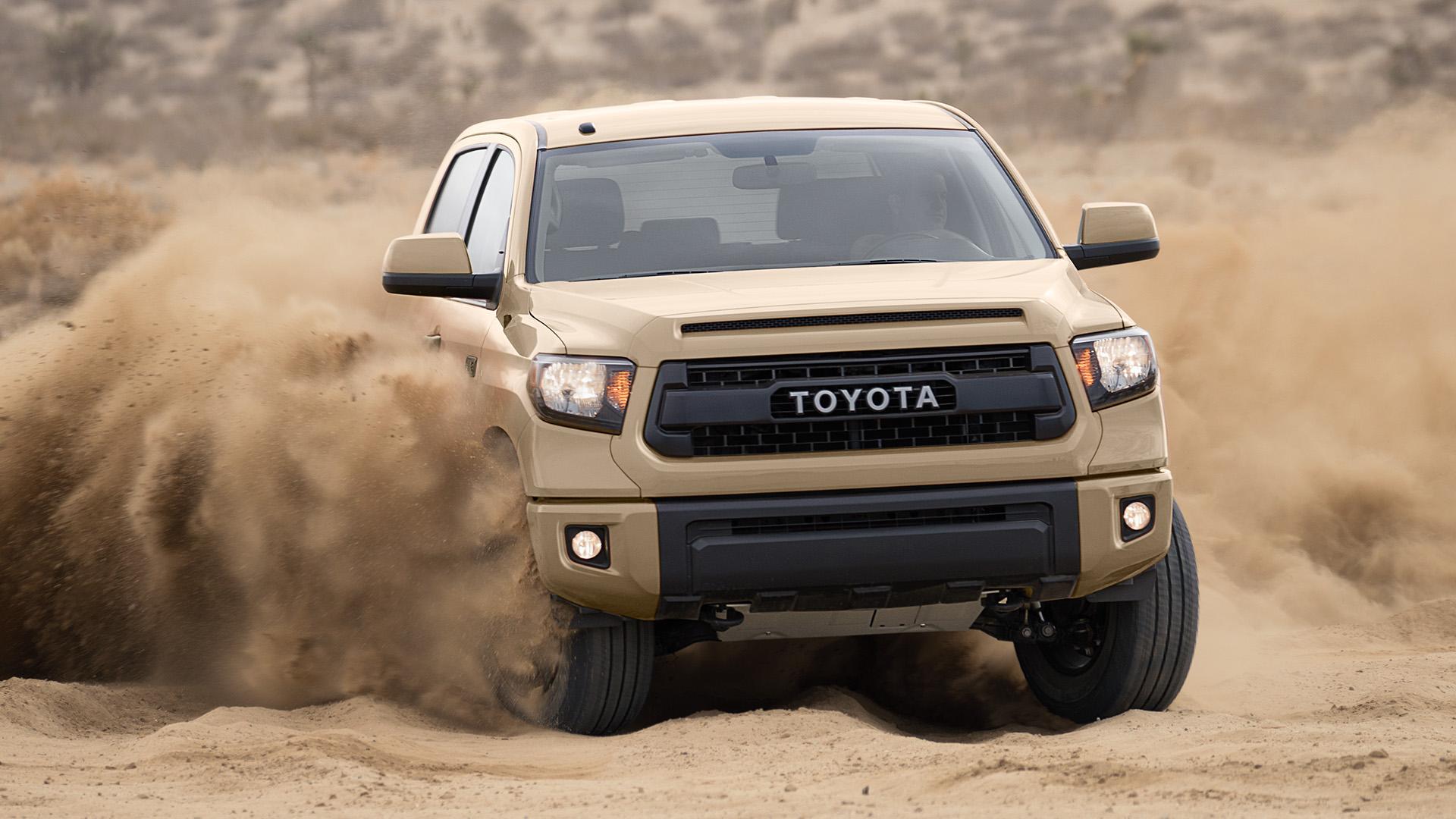 2016 Toyota Tundra Diesel Mpg >> One Truck Tug-of-War: 2016 Ram 1500 vs. 2016 Toyota Tundra