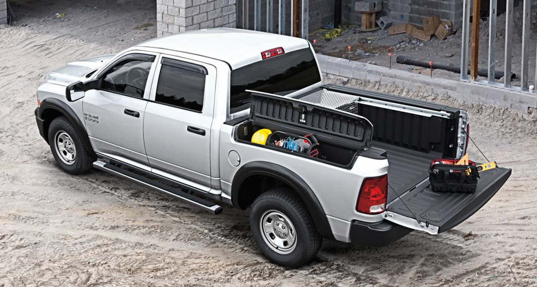 One Truck Tug-of-War: 2016 Ram 1500 vs. 2016 Toyota Tundra